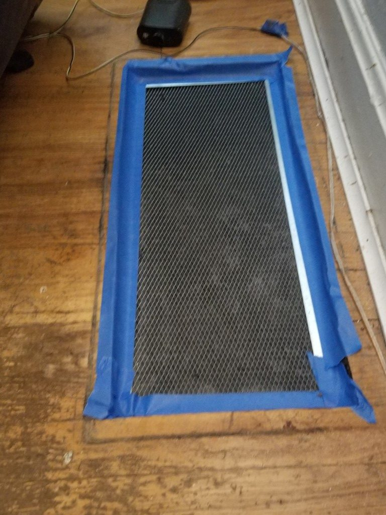 Air filter not letting in air around the sides